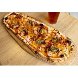 ズワイガニと牡蠣のアメリケーヌボードピッツァ