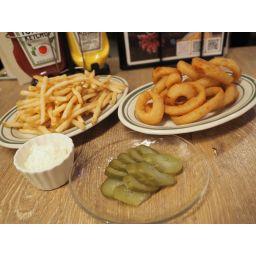 おつまみセット③(フレンチフライ サワークリームチーズ、オニオンリング、ピクルス)