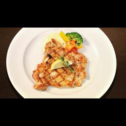 大山鶏の直火焼きガーリックローズマリーソース