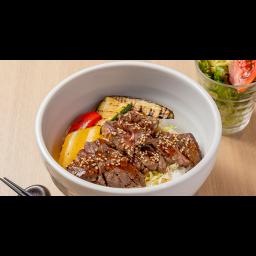 牛ステーキとグリル野菜丼