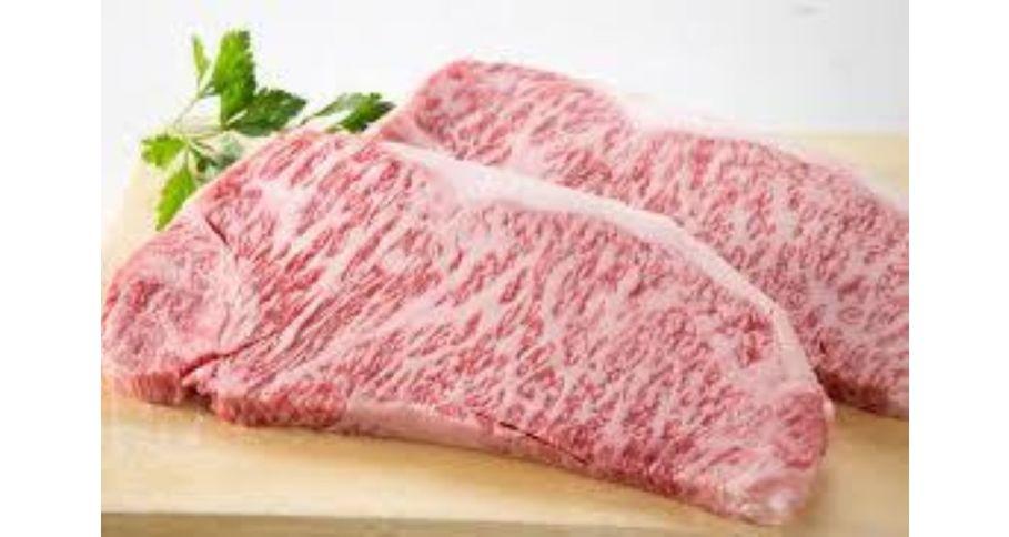 黒毛和牛サーロインステーキ&とろ肉煮込みカレー