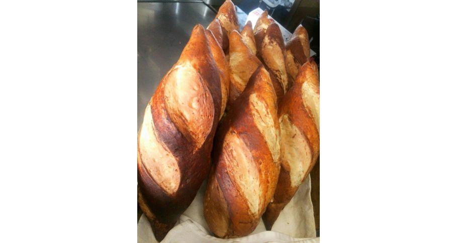 【前日予約】もろみ発酵しょうゆパン(1本)