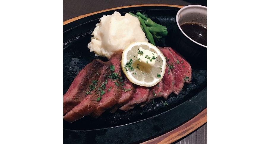 阿波黒牛のステーキ