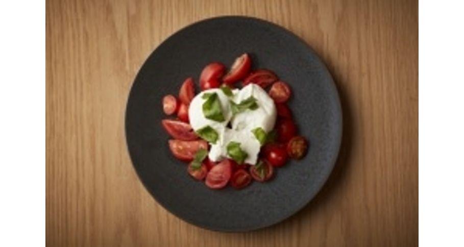 3種水牛モッツァレラと産直トマトのカプレーゼ 80g
