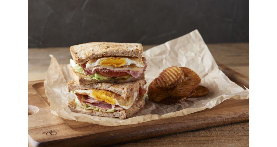 グリルドハムエッグ&チーズサンドイッチ
