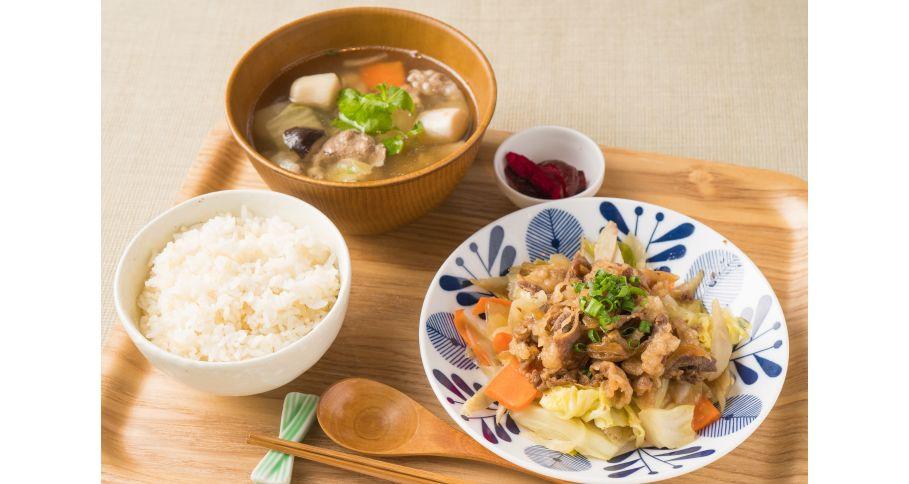 【東北膳】牛バラ焼きと芋煮汁