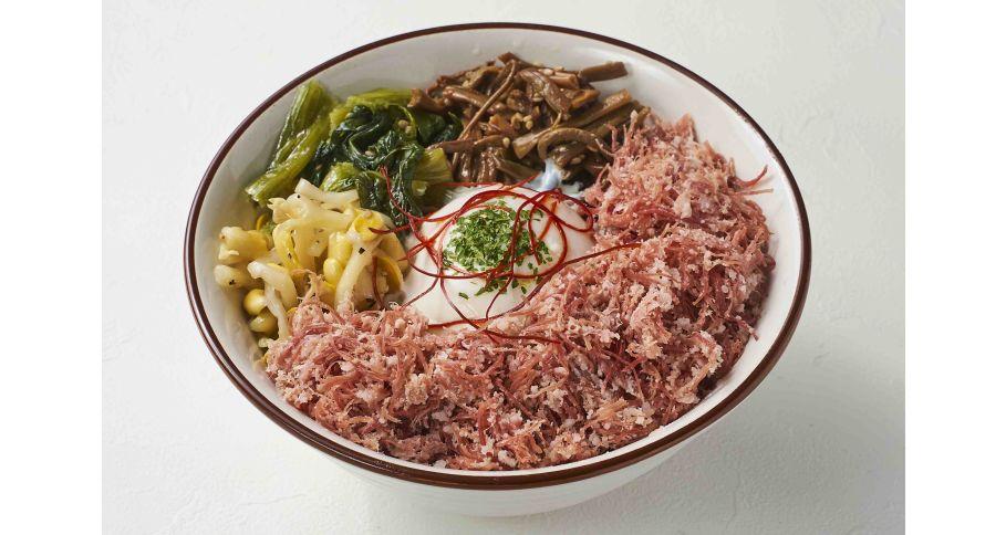 温玉のせコンビーフ丼(1パック)【予約のみ 前日の15:00迄】