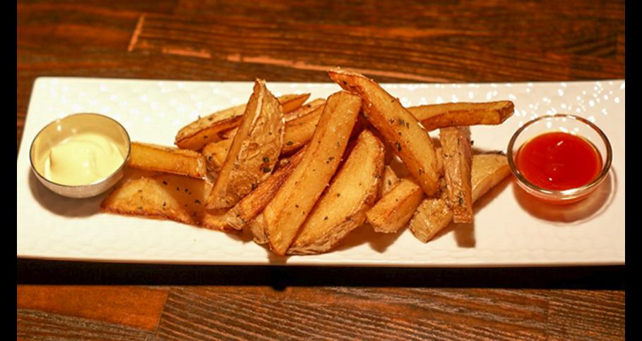 北海道産ジャガイモの厚切りフライドポテト