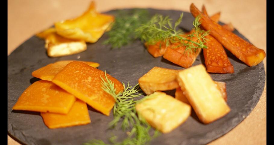 【予約商品】燻製チーズ盛り合わせ(4種)