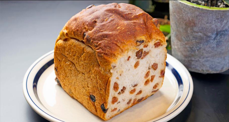 ぎっしりレーズン食パン