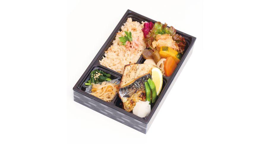【B8】華(はな)季節の炊き込みご飯と焼魚弁当