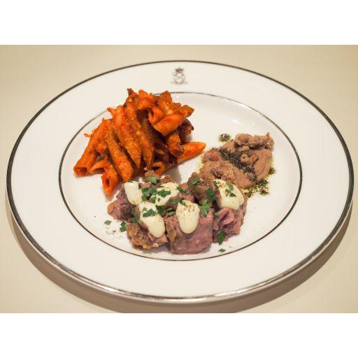 ディナーセット(豚肉のストゥファート、付け合わせ、パスタアルフォルノ、自家製パン)-2
