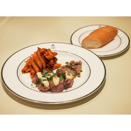 ディナーセット(豚肉のストゥファート、付け合わせ、パスタアルフォルノ、自家製パン)-0