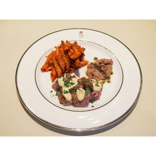 ディナーセット(豚肉のストゥファート、付け合わせ、パスタアルフォルノ、自家製パン)-4