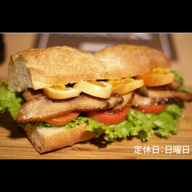 【ディナー限定】横浜燻製サンド〈燻製チキン&燻製半熟タマゴ〉-0