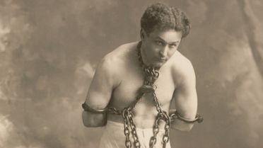 Harry Houdini - Debunking Spiritualists