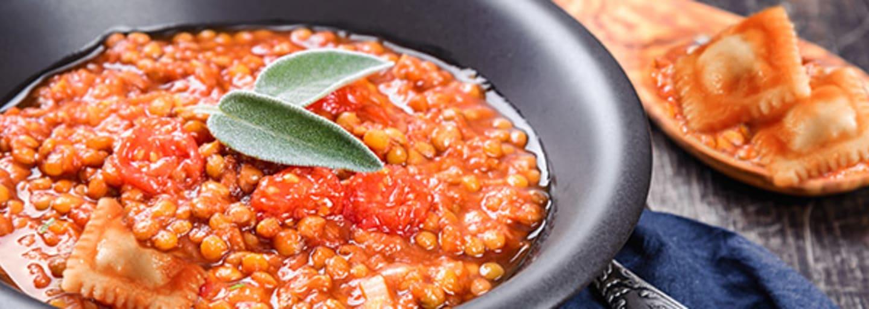 Gemüse Ravioli an feiner Linsensauce