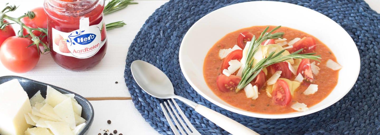 Raviolis Con Salsa De Tomate Y Fresa