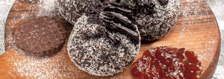 Focaccine-cioccolato-e-Arancia-con-confettura-Hero-Frutti-Rossi-di-Stagione