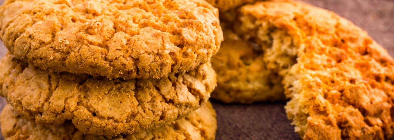 biscotti-con-avena-e-marmellata-frutta-di-stagione-pesche-hero-italia.jpg