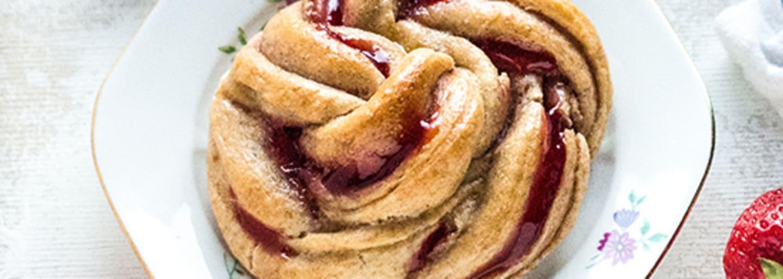 Header_Eefkooktzo_Zachte vlechtbroodjes met aardbei_3840x1400.jpg