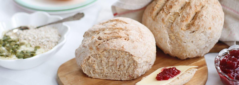 Glutenfritt lingonbröd med ost och sylt