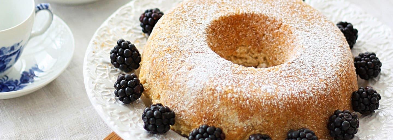 Glutenfri sockerkaka med bär, bakad med Semper bakmix