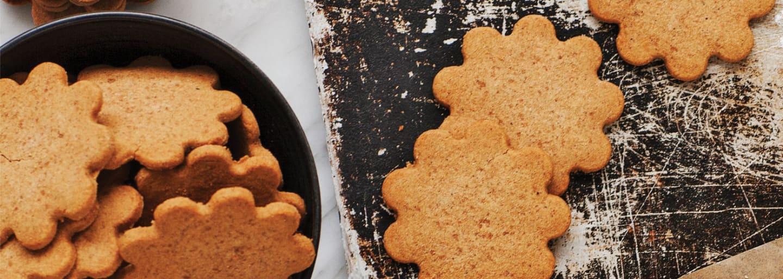 Glutenfria pepparkakor på bakplåt