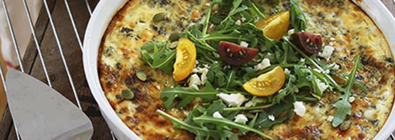 Gluteeniton piiraspohja ja kaksi juustotäytettä