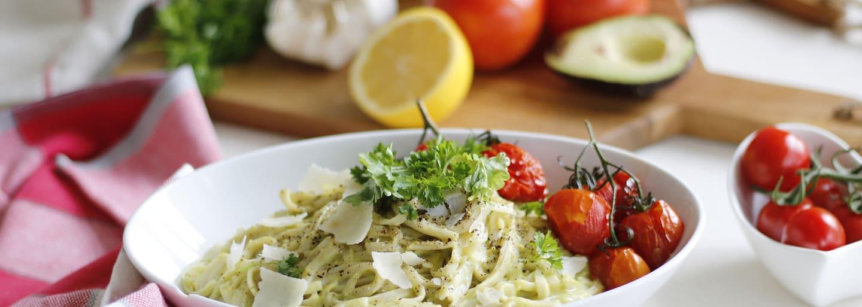Glutenfri pasta linguine med avokado