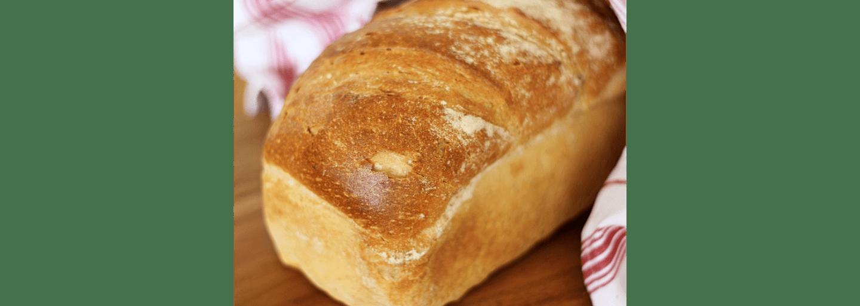 Hembakat och glutenfritt formbröd