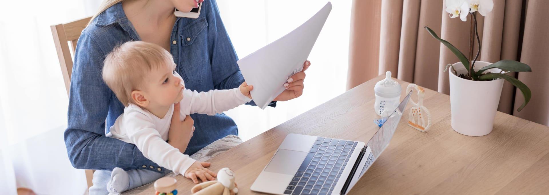 Madre, mujer y trabajadora. Analizamos el reto de las 'mamis' del Siglo XXI