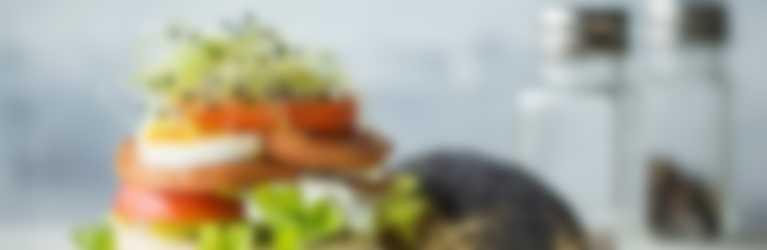 Hero Burger mit Delikatess-Fleischkäse