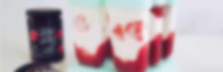 JAM JAM Sommerglace mit Erdbeerkonfitüre