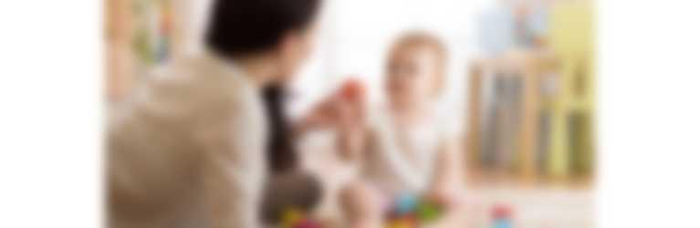 Babysitting: 10 cosas que no pueden faltar en tu bolsa para tu bebé
