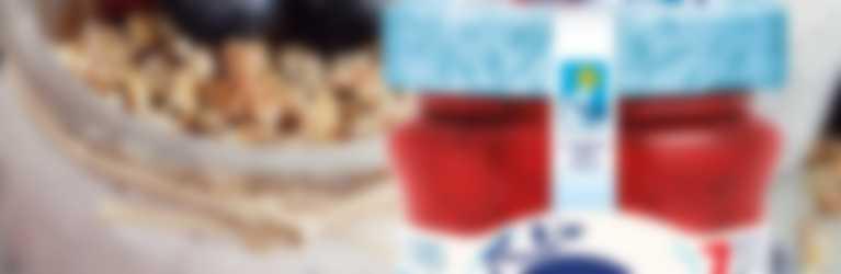 semifreddo con semi di chia e confettura Hero Light alle Fragole in vaso