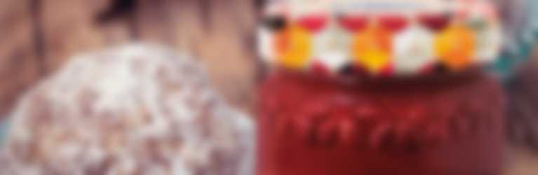 Palline energetiche senza cottura con confettura Hero Frutti Rossi di Stagione