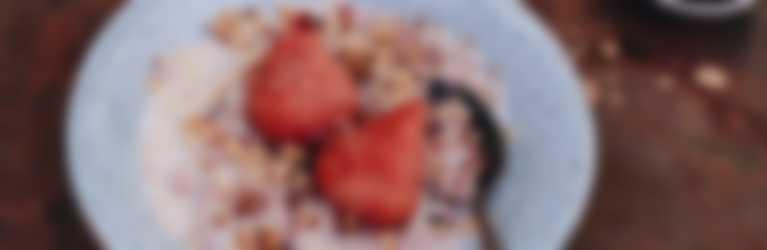 Header_Havermout met stoofperen, walnoten en kersenjam
