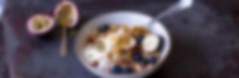 Header_Kokosyoghurt_granola_fruit_3840x1400.jpg