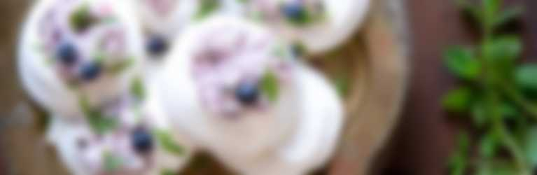 Header_Pavlova met blauwe bessen en munt_3840x1400.jpg