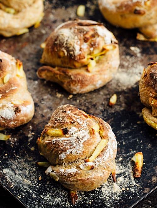 Petits pains aux herbes et aux rösti