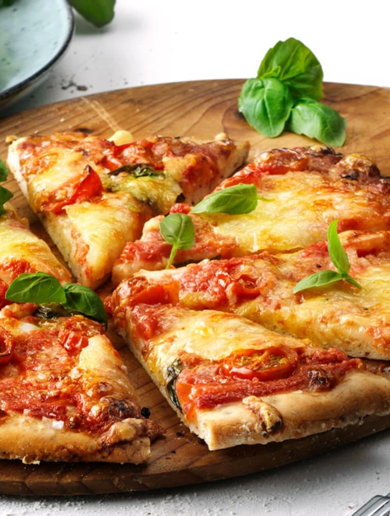 Glutenfri pizza med basilika