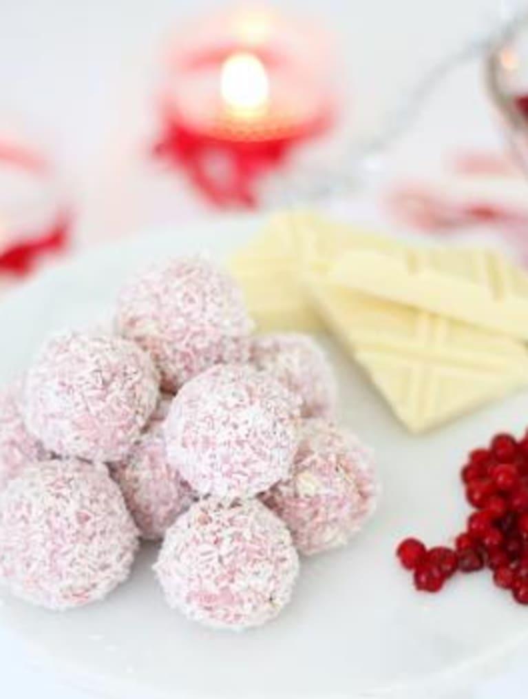 Glutenfria havrebollar med lingon & vit choklad