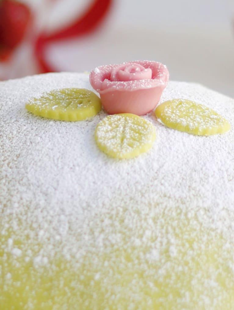 Gluteeniton prinsessakakku