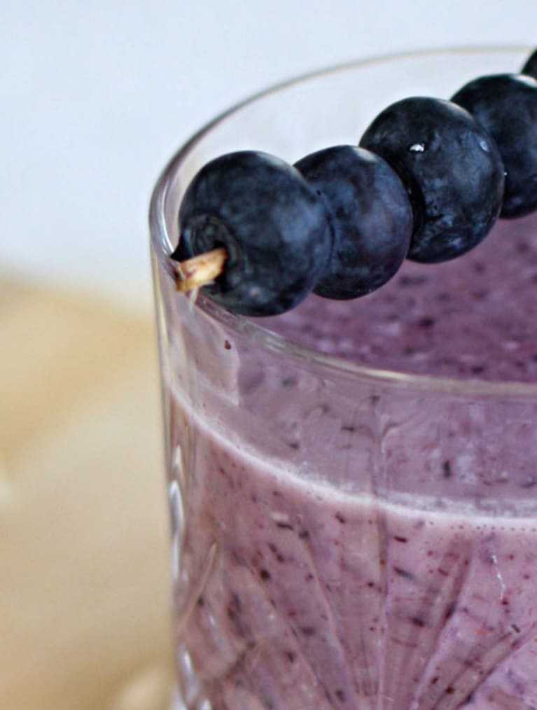 Glutenfri blåbærsmoothie til morgenmad