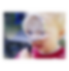Barn med förstoringsglas - Semper Barnmat