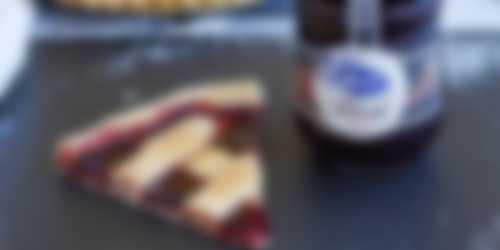 Crostata con confitura de cerezas
