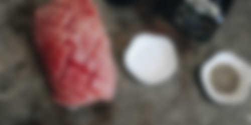 Ingredienten_Geglaceerde beenham met portsaus van bosbessenjam