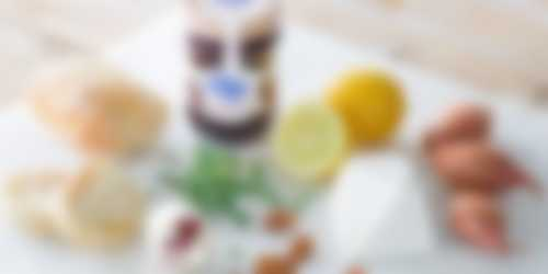 ingredienten_Bruschetta_kruidige_kersenjam_geitenkaas_2400x1200.jpg
