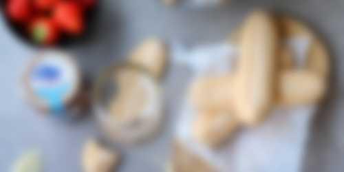 Bereiding aardbeien tiramisu optie 2